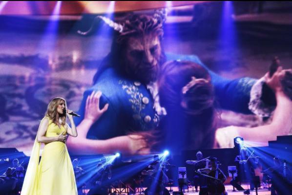 Dans ce spectacle, Céline Dion chante coup sur... (Photo tirée du compte Instagram de Céline Dion)