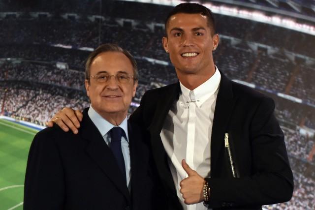 Florentino Perez et Cristiano Ronaldo en novembre dernier.... (ARCHIVES AFP)