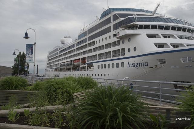 Le navire de croisière Insignia a fait escale... (Stéphane Lessard, Le Nouvelliste)