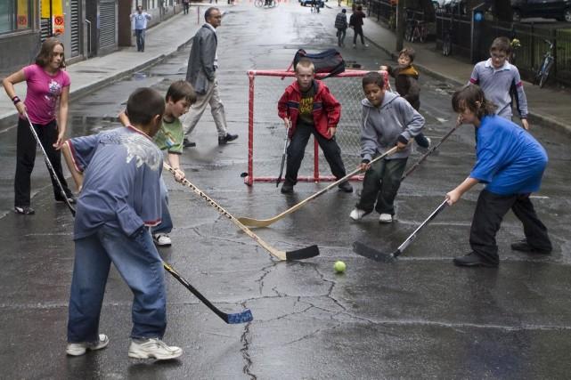 Le hockey de rue sera permis à Gatineau,... (Archives, La Presse)
