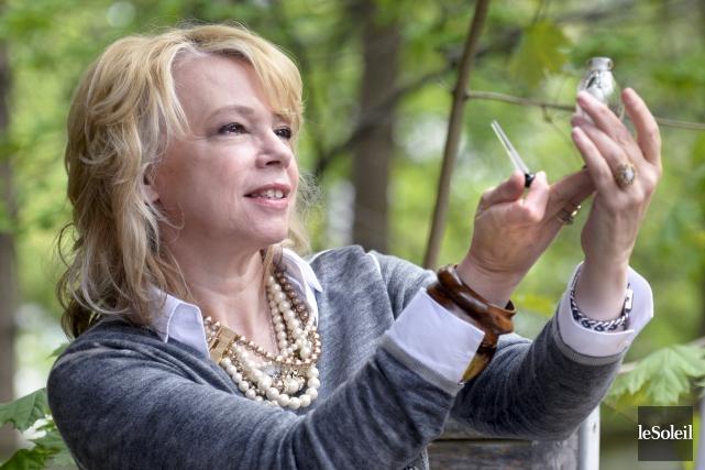La chanteuse Martine St-Clair a conçu une fragrance... (Le Soleil,  Jean-Marie Villeneuve)