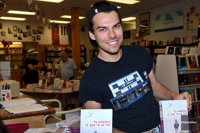 Kevin Lambert, auteur du roman Tu aimeras ce... (Photo Le Quotidien, Rocket Lavoie)