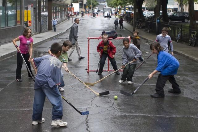 Le «retour» du jeu dans la rue renforce... (Archives, La Presse)