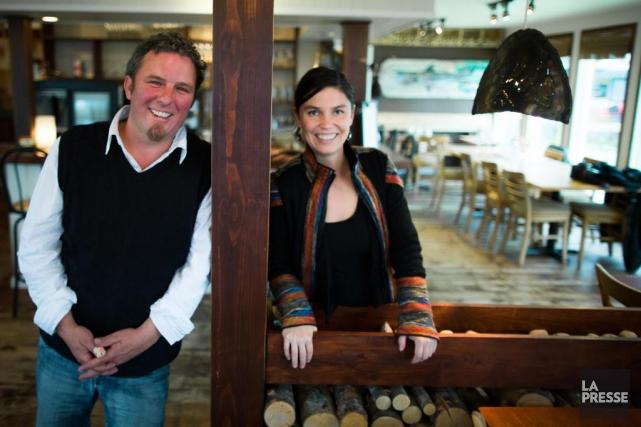 Jean-Sébastien Sicard et Mireille Perron, propriétaires du restaurant... (Photo Olivier PontBriand, La Presse)