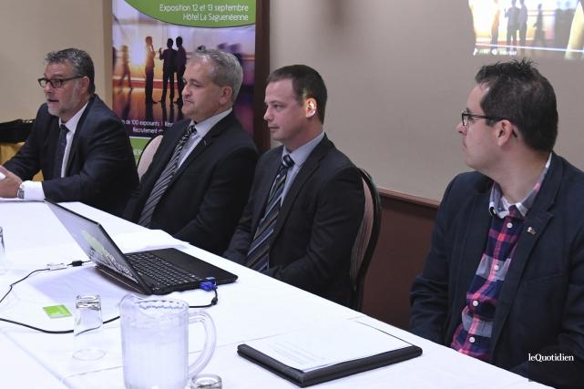 Les présidents d'honneur de Synergie Saguenay, Dany Verreault... (Photo Le Quotidien, Michel Tremblay)