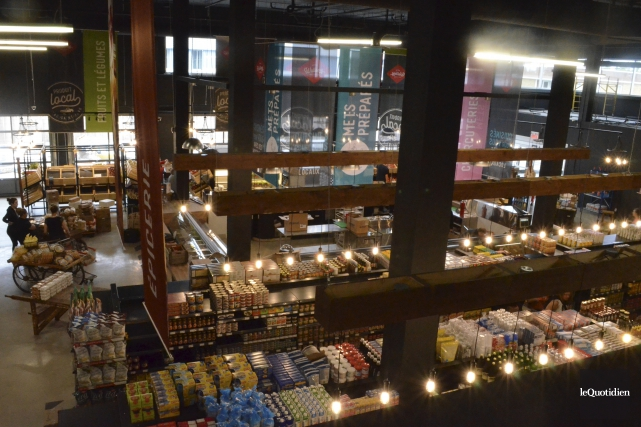 Le marché a une superficie de 11 000... (Photo Le Quotidien, Louis Potvin)