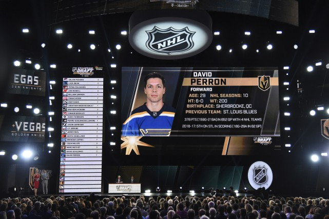 David Perron est devenu l'un des premiers joueurs... (Agence France-Presse)
