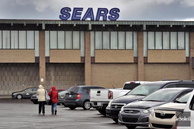 Le magasin Sears du centre commercial Fleur de... (Le Soleil, Patrice Laroche)