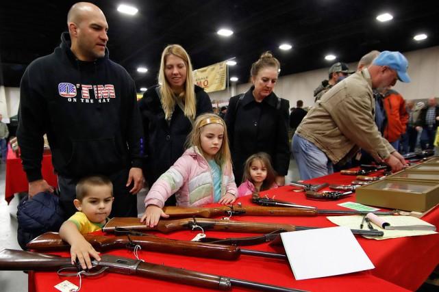 La question des violences par arme à feu... (ARCHIVES AP)