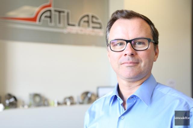 Au Bourget, le directeur général d'Atlas Aeronautik, Serge... (archives La Voix de l'Est)