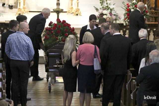 Les funérailles de Robert Campeau ont eu lieu... (Patrick Woodbury, Le Droit)