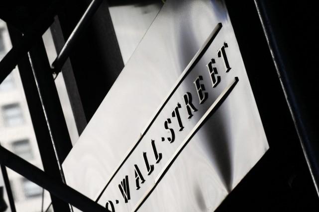 Le principal indice à la Bourse de Toronto a clôturé en forte hausse, vendredi,... (PHOTO ARCHIVES AP)