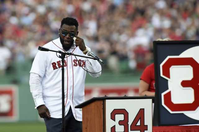 David Ortiz n'a pu reternir une larme lors... (Photo Bob DeChiara, USA TODAY Sports)