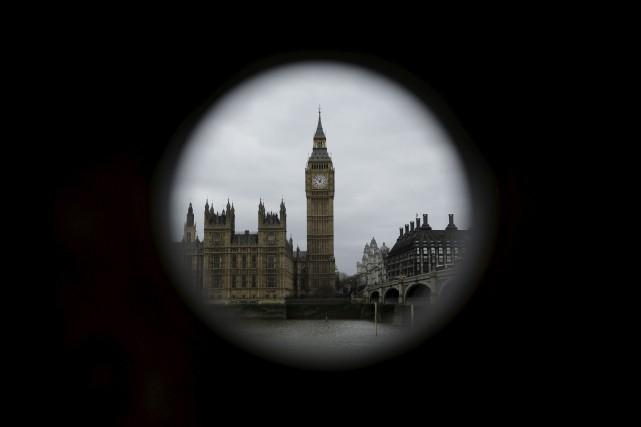Le Parlement de Londres et Big Ben... (Photo Matt Dunham, archives Associated Press)