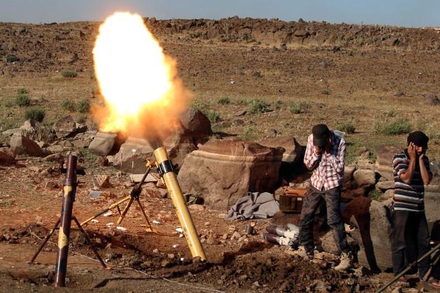 Des tirs de roquettes ou de projectiles en... (REUTERS)