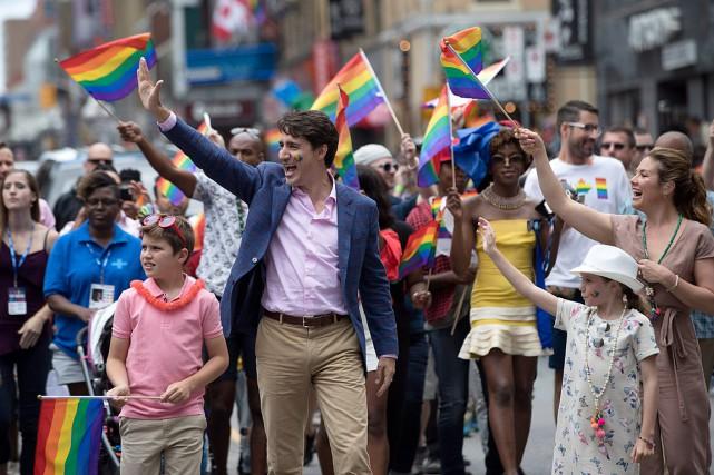 Justin Trudeau, son épouse Sophie et leurs enfants... (PHOTO MARK BLINCH, LA PRESSE CANADIENNE)