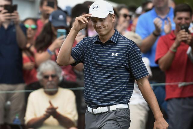 Jordan Spietha rejoint Tiger Woods comme étant les... (Photo Jessica Hill,AP)