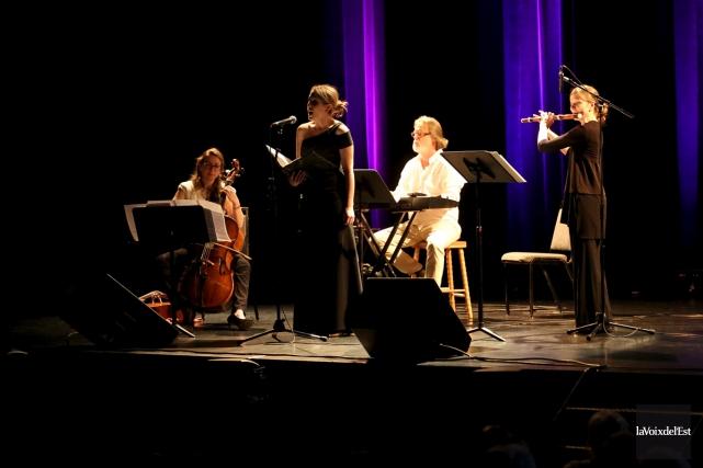 Le premier Concert dans le parc de l'été... (Julie Catudal, La Voix de l'Est)