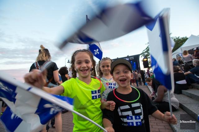 Les enfants étaient nombreux à célébrer la fête... (Olivier Croteau, Le Nouvelliste)