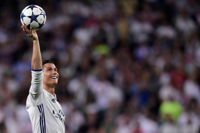 Cristiano Ronaldomenace de quitter l'Espagne après avoir été... (photo reuters)
