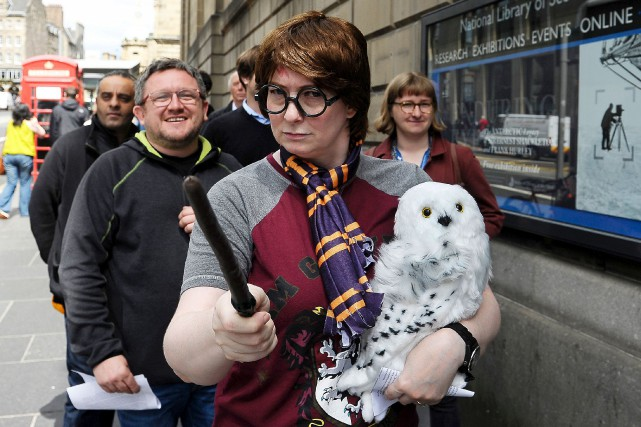 Édimbourg, où J.K. Rowling avait achevé sa saga... (AFP, Neil Hanna)
