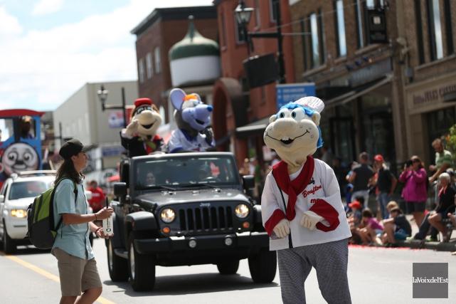 Le défilé de la Fête des mascottes, à... (Julie Catudal, archives La Voix de l'Est)
