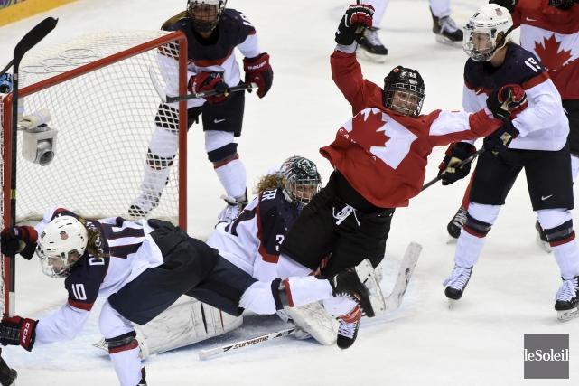 La vedette de l'équipe olympique canadienne, Marie-Philip Poulin,... (Photothèque Le Soleil)