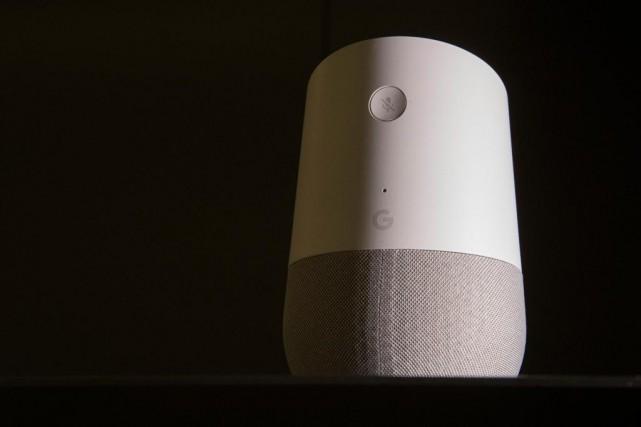 Le Google Homea accès à des dizaines d'applications-par... (Photo Ivanoh Demers, La Presse)