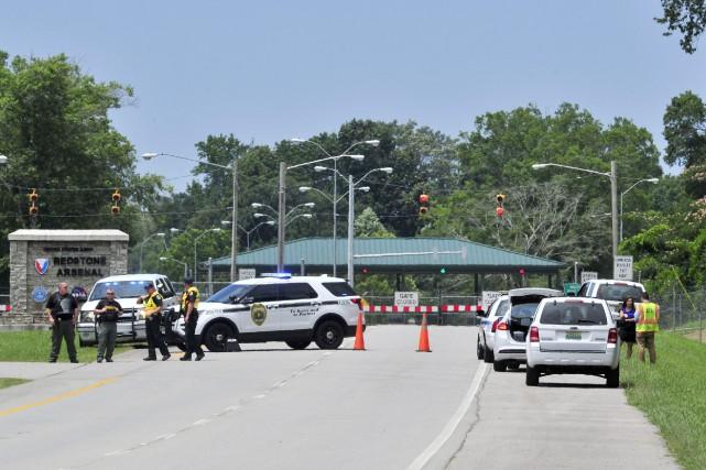 La police a bouclé une zone prèsde la... (PHOTO AP)