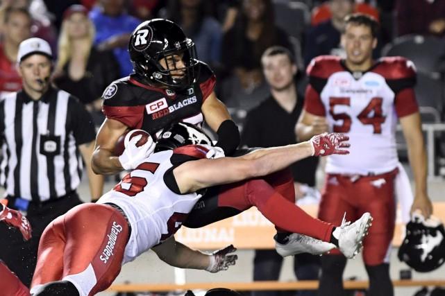 Joshua Stangby a capté cinq passes lors du... (Archives, La Presse canadienne)
