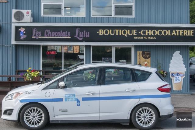 Les enquêteurs de Revenu Québec sont débarqués au... (Archives Le Quotidien, Michel Tremblay)