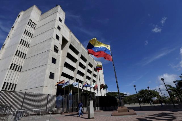 L'édifice de la Cour suprême vénézuélienne, à Caracas... (PHOTO ARCHIVES REUTERS)
