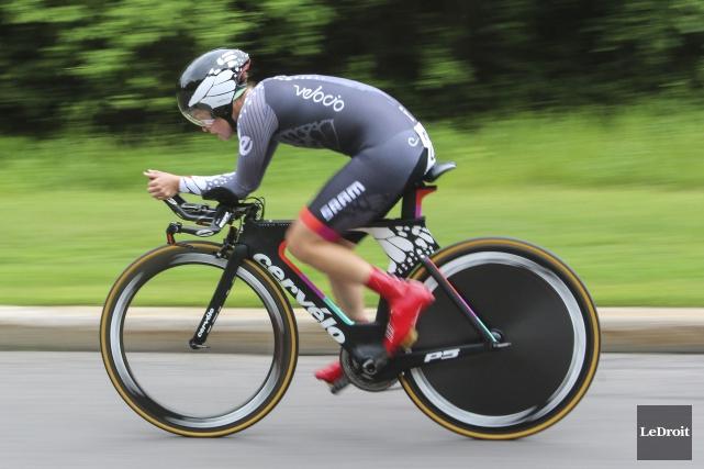La cycliste gatinoise, Karol-Ann Canuel... (Patrick Woodbury, Archives LeDroit)