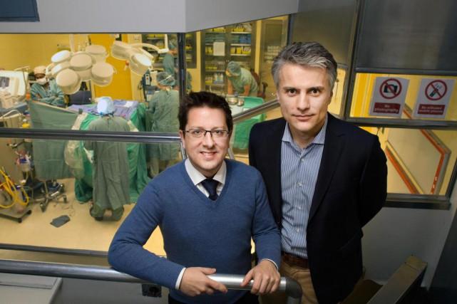 Frédéric Leblond, de Polytechnique, et le docteur Kevin... (PHOTO ROBERT SKINNER, Archives LA PRESSE)