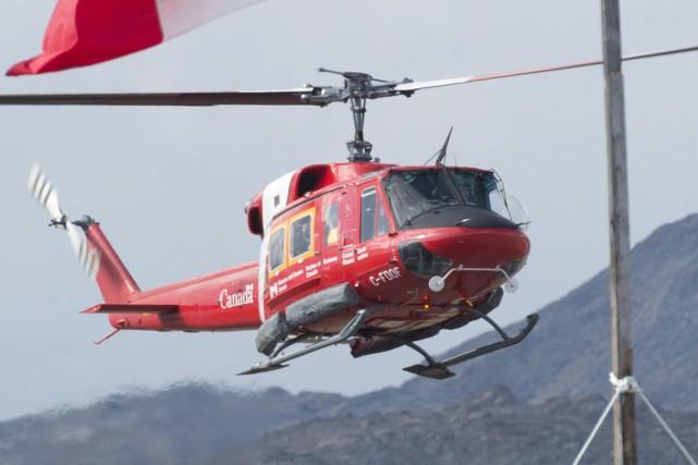 Un hélicoptère de la Garde côtière canadienne... (Photo Adrian Wyld, archives PC)
