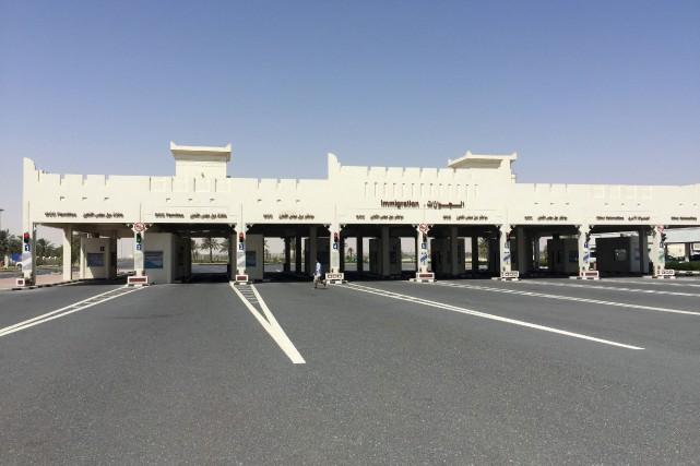 Les douanes à la frontières entre l'Arabie saoudite... (PHOTO ARCHIVES REUTERS)