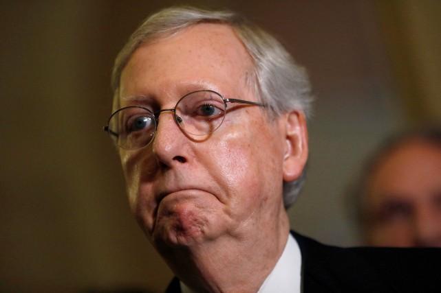 Le chef de la majorité républicaine au Sénat... (PHOTO Aaron P. Bernstein,REUTERS)