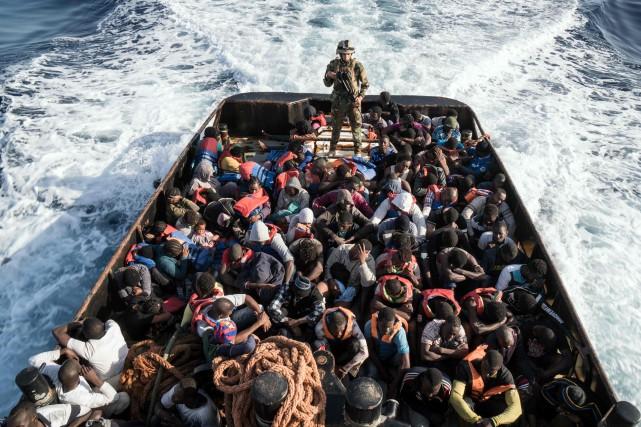L'Italie réfléchit à la possibilité d'interdire aux bateaux... (ARCHIVES AFP)