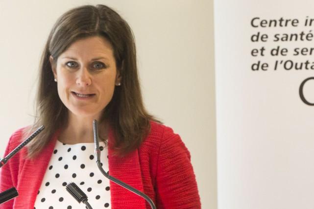 Stéphanie Vallée a expliqué, jeudi, le récent décret... (Simon Séguin-Bertrand, Le Droit)