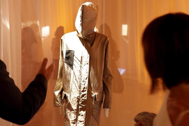 Le manteau antisurveillance permet de ne pas être... (AFP, PATRICK KOVARIK)