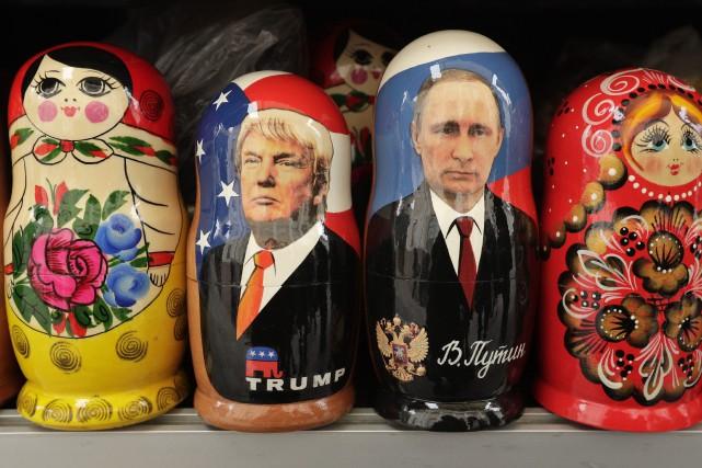 Des poupées russes à l'effigie de Donald Trump... (PHOTO AP)