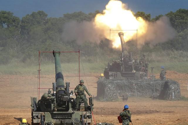 Manoeuvre militaire annuelle Han Kuang, en septembre 2015,... (ARCHIVES AP)