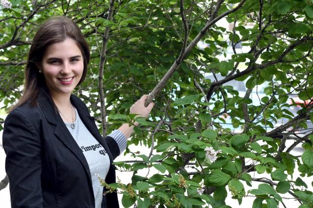 La violoniste Gabrielle Bouchard, qui profite de ses... (Photo Le Progrès, Rocket Lavoie)