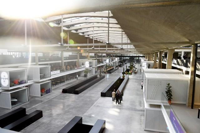 Les installations de Station F, immenses, disposent de... (AFP, Bertrand Guay)