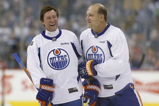 En octobre 2016, c'est un Wayne Gretzky rieur... (Archives La Presse canadienne, John Woods)