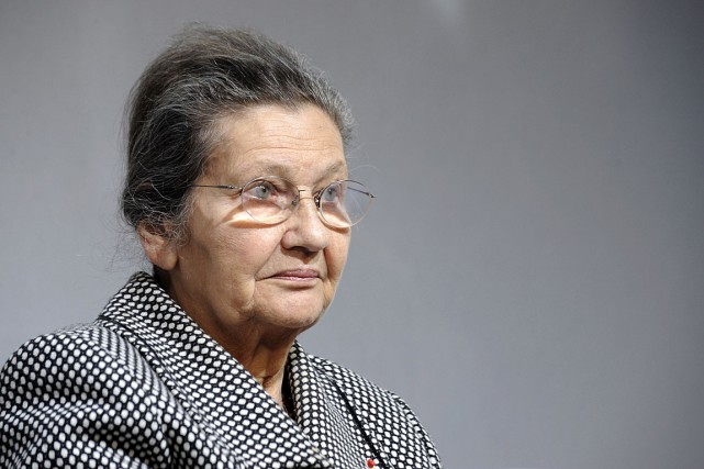 Simone Veil en 2011... (PHOTO BORIS HORVAT, AGENCE FRANCE-PRESSE)