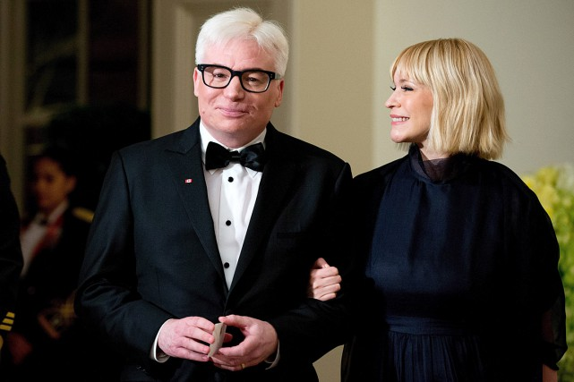 L'Acteur Mike Myers et son épouse Kelly en... (PHOTO ANDREW HARNIK, ARCHIVES ASSOCIATED PRESS)