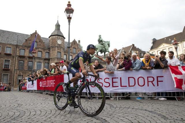 L'un des favoris, le Colombien Nairo Quintana, s'élancera... (Photo Peter Dejong, AP)