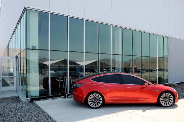 Un prototype de la Tesla Model 3... (PHOTO ARCHIVES REUTERS)