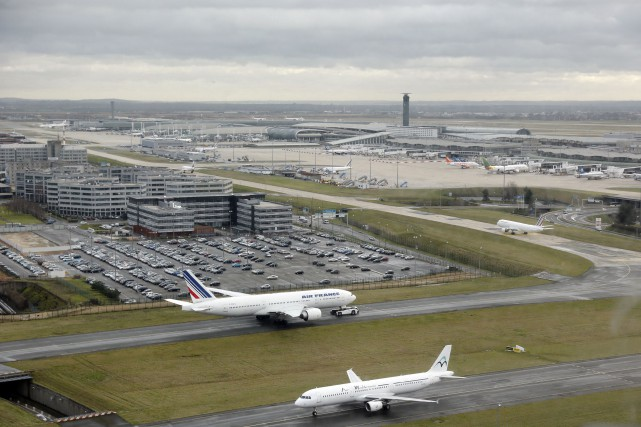 Roissy Charles-de-Gaulle (CDG), au nord-est de Paris, est... (PHOTO ARCHIVES AFP)